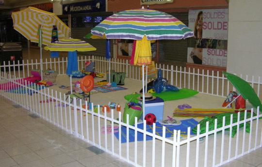 Décor centre commercial Plage Familiale