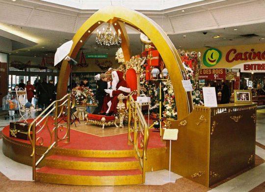 Décoration Centre Commercial Dôme du Père Noël