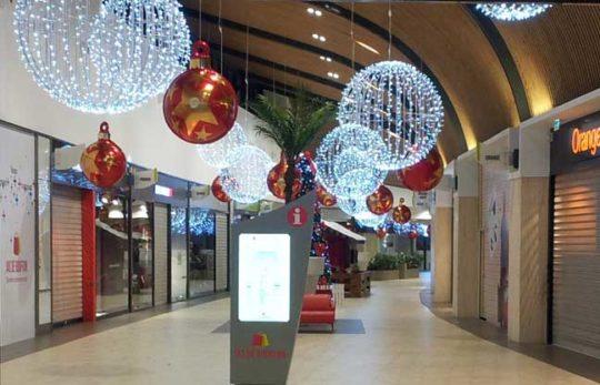 Décoration Noël Centre Commercial Suspensions Boules