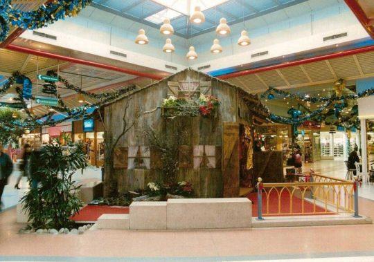 Décoration Centre Commercial Maison du Père-Noël