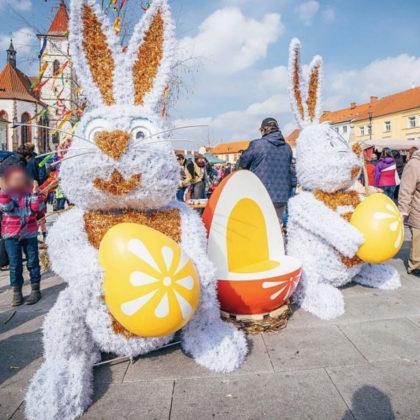 Lapins de Pâques Géants